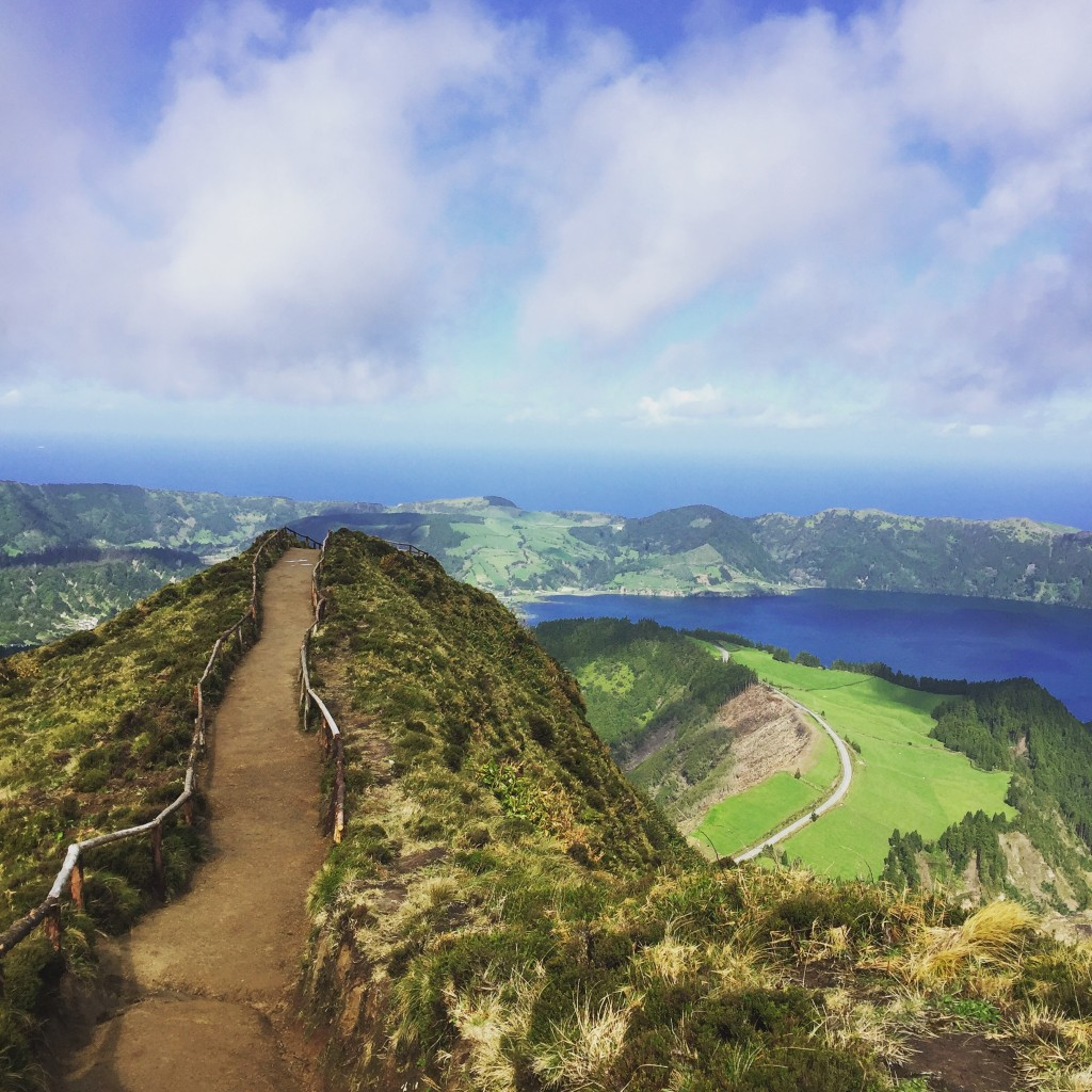 Azores_Islands_Trail_Hilltop