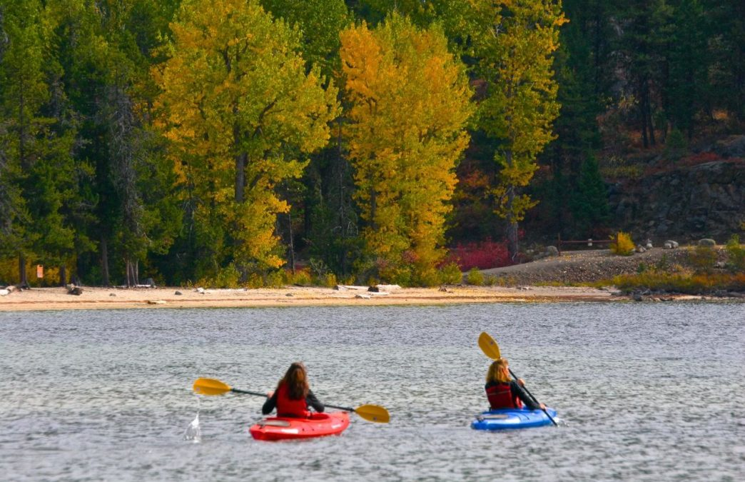 Water Colors: Paddling Trips in Boise That Feature Sublime Fall Foliage