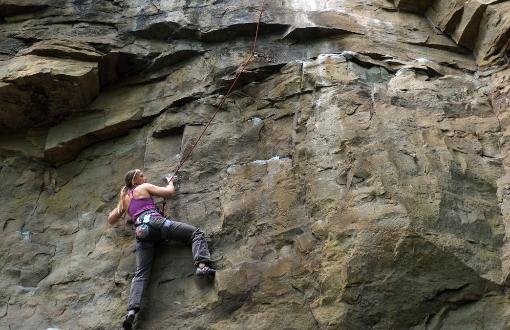 The Best Places for Winter Climbing Around Chattanooga