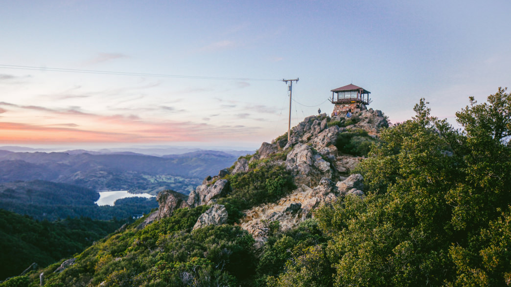 Rooms with a View: 5 Northern California Fire Lookout Hikes