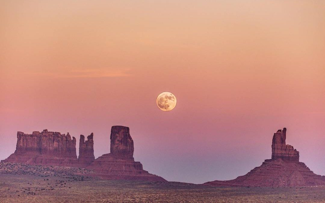 Chasing the Super Moon through the American Southwest