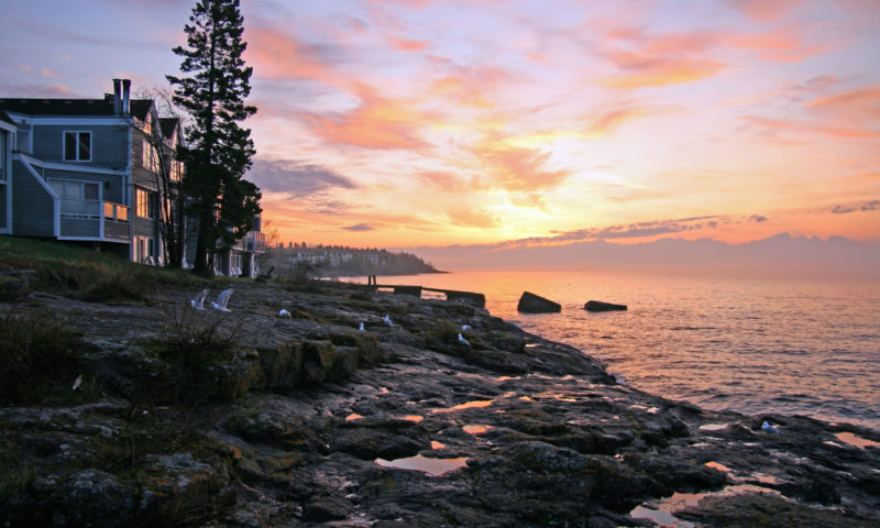 Take advantage of all the outdoor opportunities around Lake Superior at these North Shore retreats.